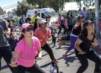 Baile entretenido se toma la plaza de armas de Coquimbo